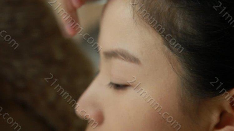 8、《出水芙蓉》新娘化妆盘发