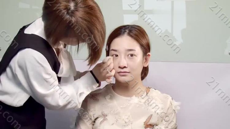 09妆面+森系造型二