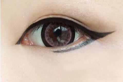 《眼线刻画技巧》化妆课程