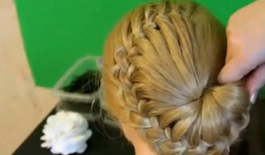 10、新娘发型之欧系新娘编发