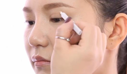 令肤色更自然的小密招--化妆课程