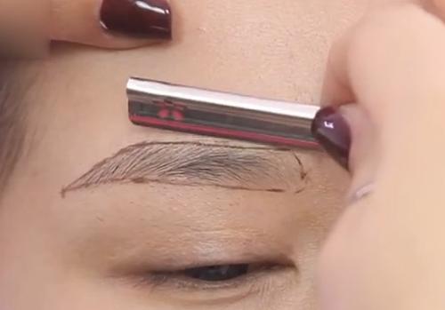 修眉刀法技巧--化妆在线课程