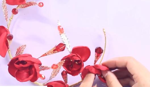 红色水晶王冠----化妆手工饰品的制作
